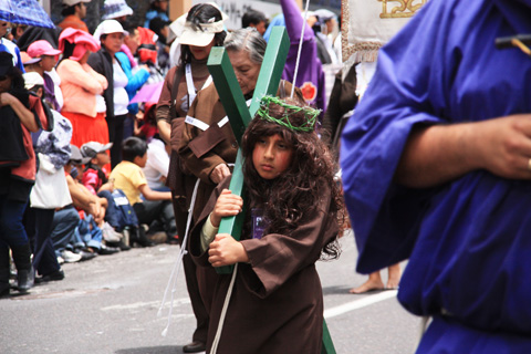 procession 3 jesus enfant resized