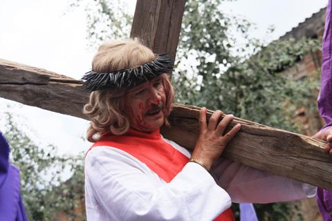 procession 4b jesus adulte resized